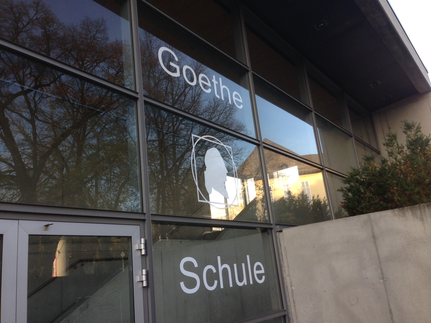 Eingangsportal der Goetheschule in Wetzlar