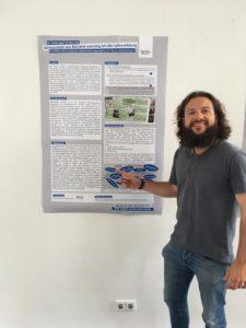 Der Autor der Homepage bei einer Präsentation des Schrottschatz-Projekts